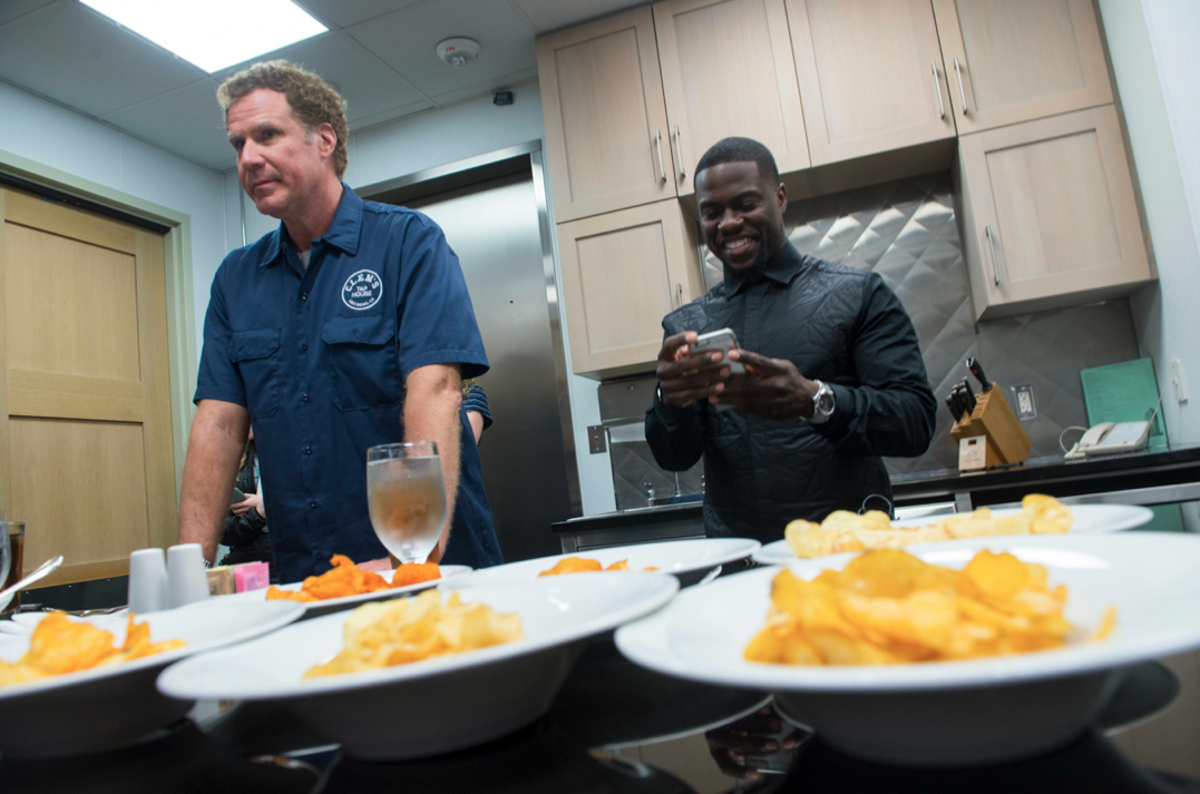 Will Ferrell & Kevin Hart choose their last meal before prison
